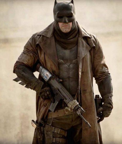 knightmare-dawn-of-justice-batman-coat
