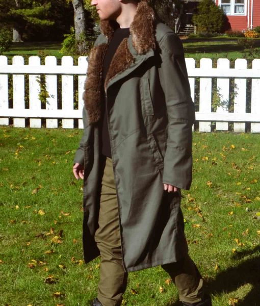 blade-runner-ryan-gosling-coat