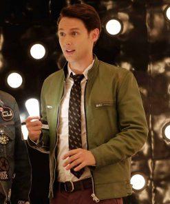 dirk-gently-green-jacket