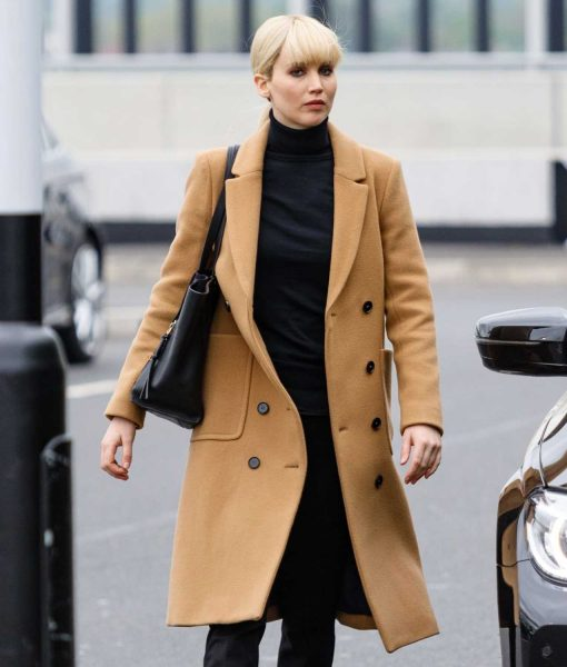 jennifer-lawrence-red-sparrow-coat