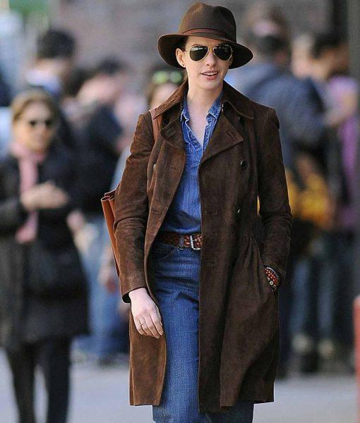 anne-hathaway-brown-coat