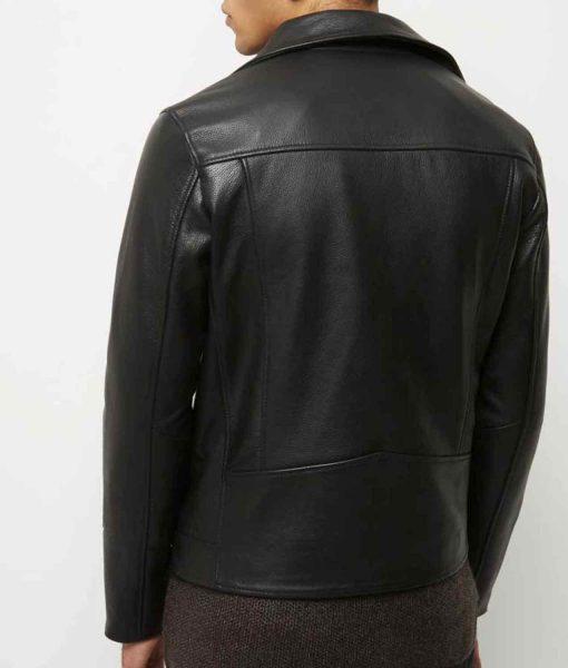 jacob-elordi-the-kissing-booth-noah-flynn-leather-jacket
