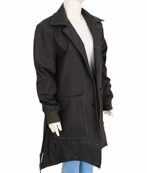 wanda-maximoff-infinity-war-coat