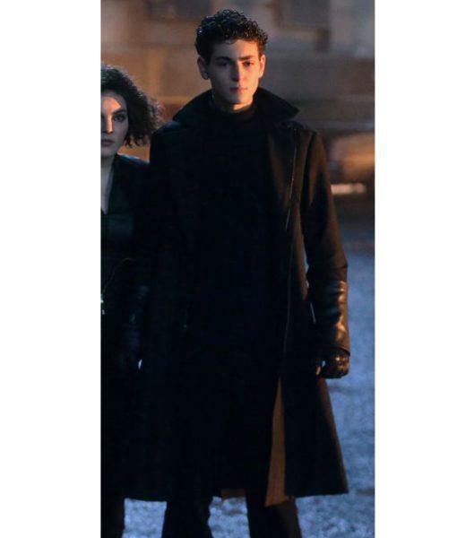 david-mazouz-gotham-season-5-bruce-wayne-coat