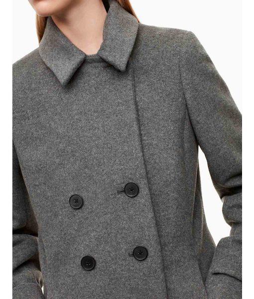 riverdale-season-2-betty-cooper-coat
