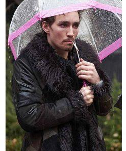 klaus-hargreeves-coat