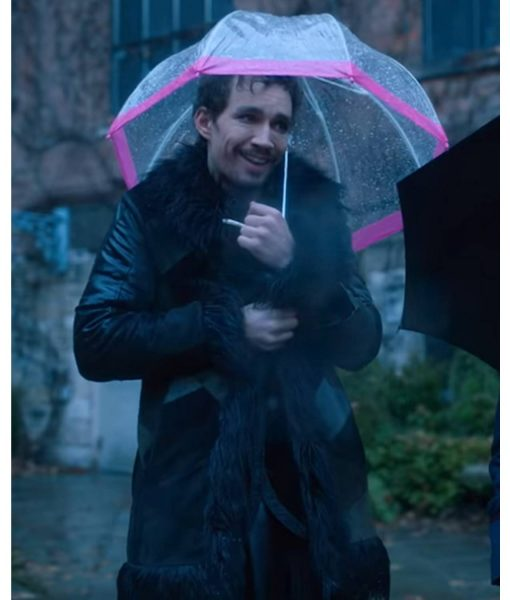 klaus-hargreeves-leather-coat