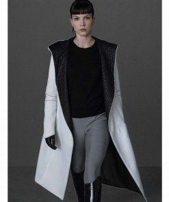 blade-runner-luv-white-coat