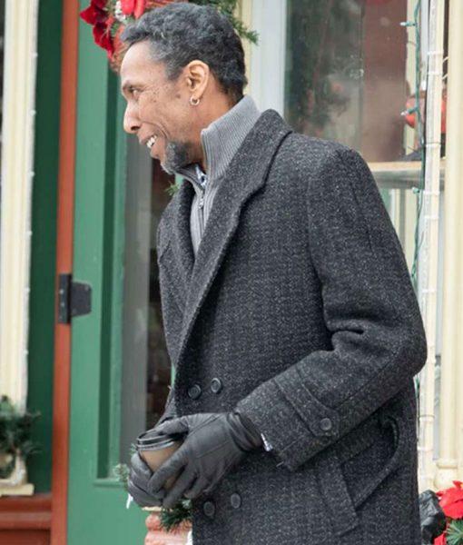 the-holiday-calendar-gramps-coat