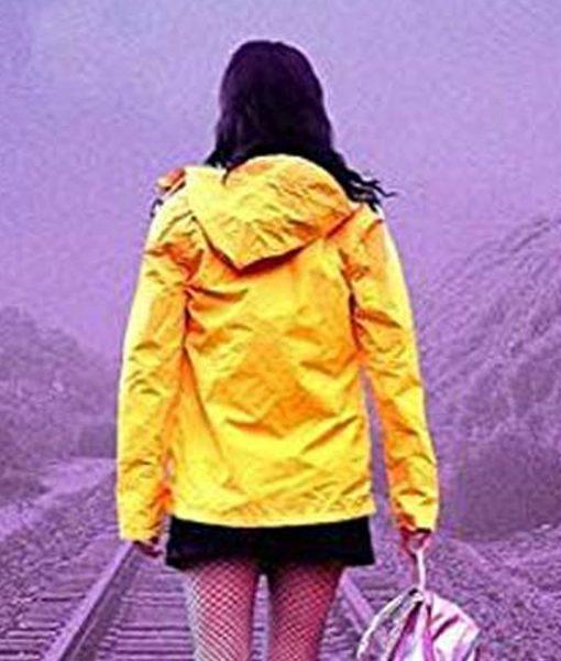 isabelle-fuhrman-tracks-yellow-jacket