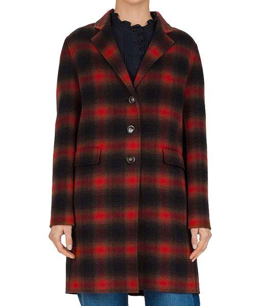 cobie-smulders-stumptown-plaid-coat