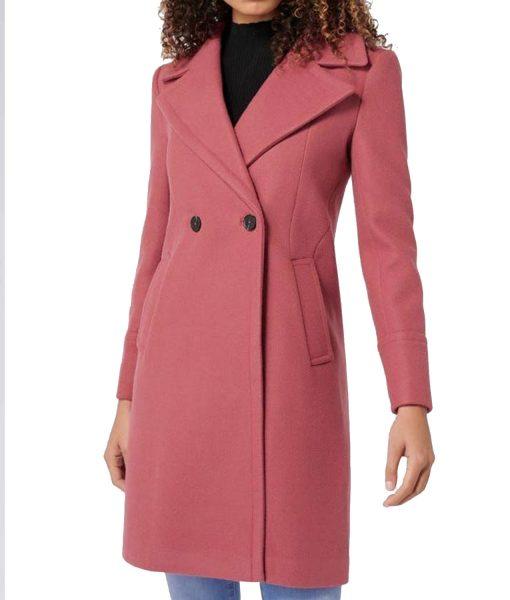 lili-reinhart-riverdale-betty-cooper-pink-coat