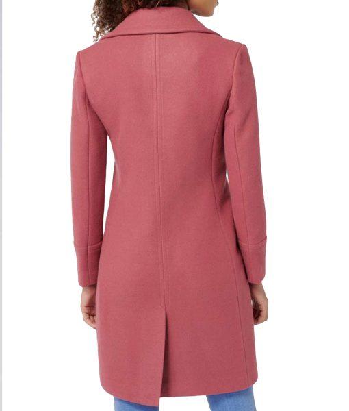 lili-reinhart-riverdale-pink-coat