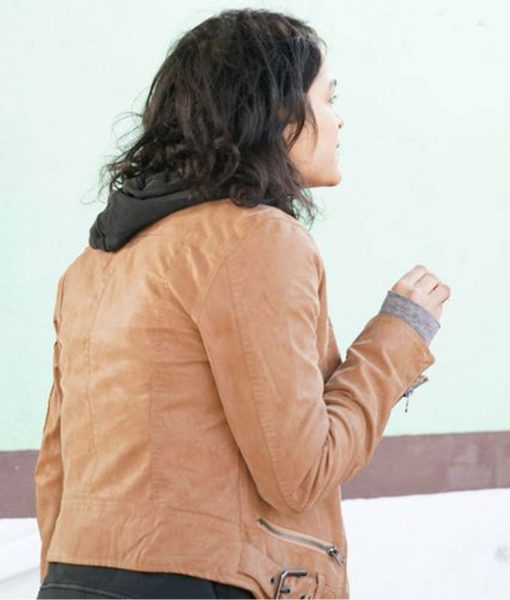 eve-harlow-the-rookie-bianca-windle-brown-jacket