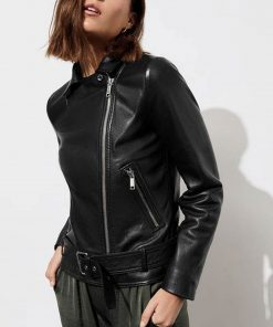 13-reasons-why-jessica-davis-black-leather-jacket