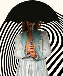 the-umbrella-academy-season-02-klaus-hargreeves-coat