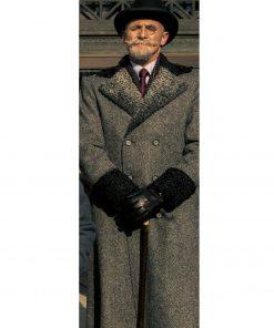 reginald-hargreeves-coat