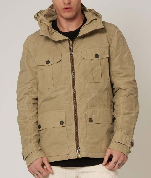 6-underground-ryan-reynolds-hooded-jacket