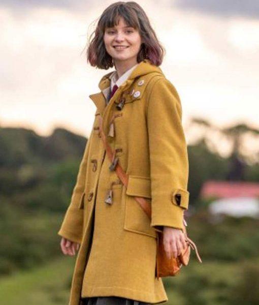 dating-amber-lola-petticrew-amber-coat