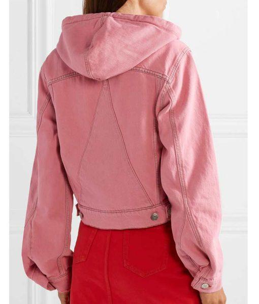 emily-in-paris-emily-cooper-pink-jacket