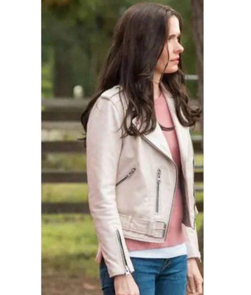 elizabeth-tulloch-superman-lois-lane-leather-jacket