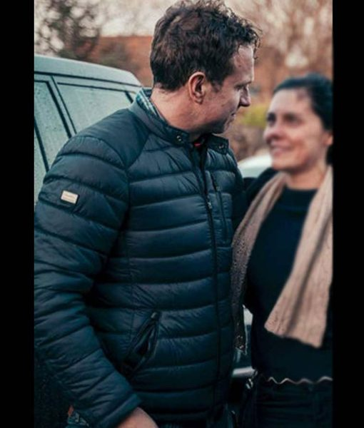 rafe-spall-the-salisbury-poisonings-ds-nick-bailey-puffer-jacket