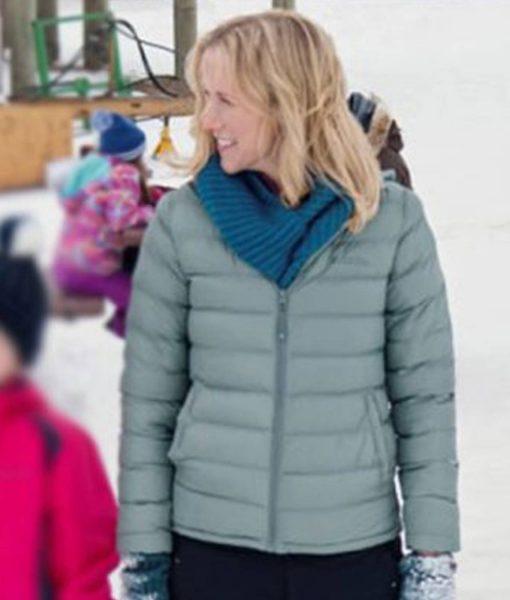 amazing-winter-romance-jessy-schram-puffer-jacket