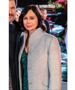 meet-me-at-christmas-catherine-bell-coat