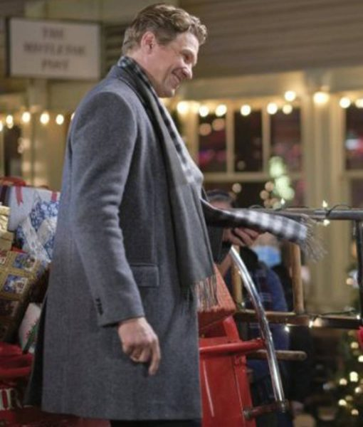 good-morning-christmas-marc-blucas-coat