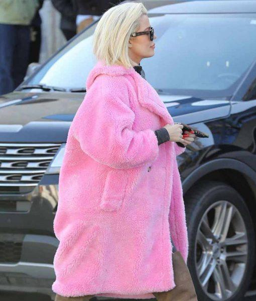 khloe-kardashian-keeping-up-with-the-kardashians-coat