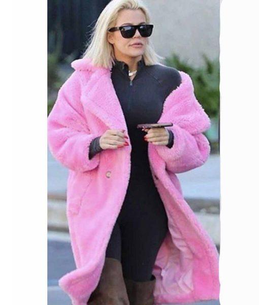 khloe-kardashian-pink-coat
