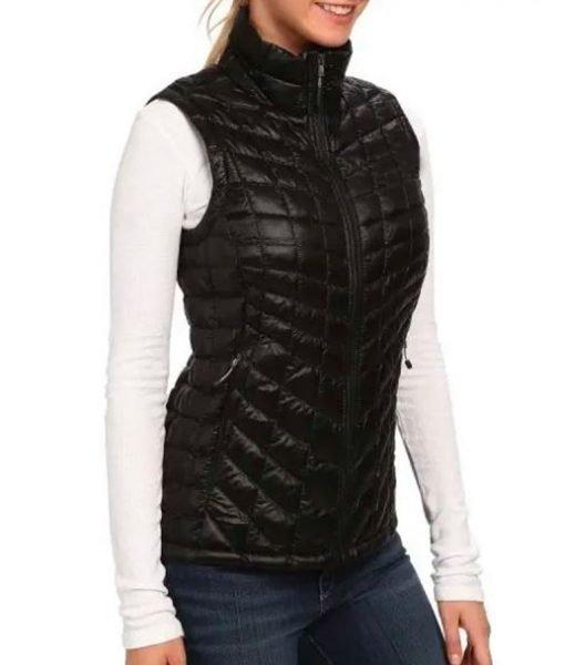 alexandra-breckenridge-black-puffer-vest