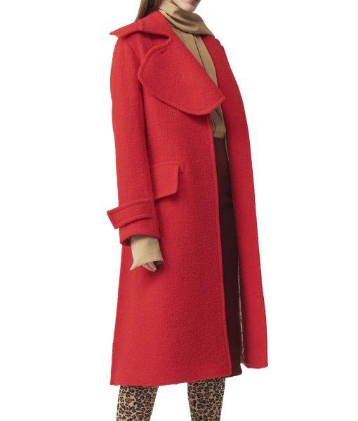 anna-kendrick-red-coat