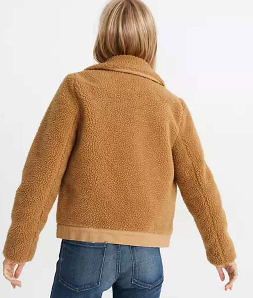 anna-kendrick-sherpa-jacket