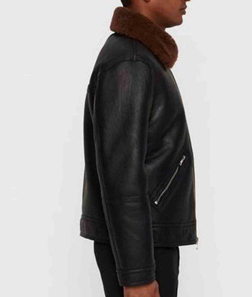 black-jacket-with-brown-fur-collar