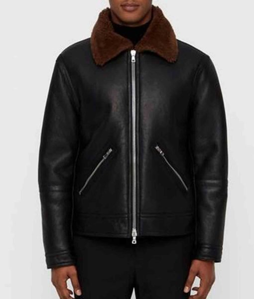black-leather-jacket-with-brown-fur-collar