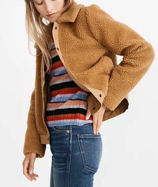 love-life-anna-kendrick-sherpa-jacket