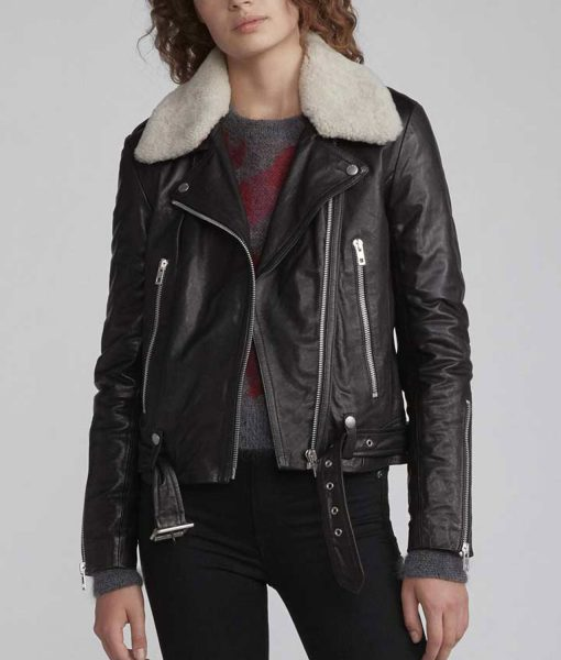 sara-yang-black-leather-jacket