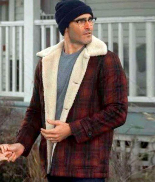 tyler-hoechlin-plaid-jacket