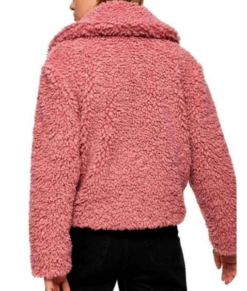 the-young-and-the-restless-reylynn-caster-pink-sherpa-jacket