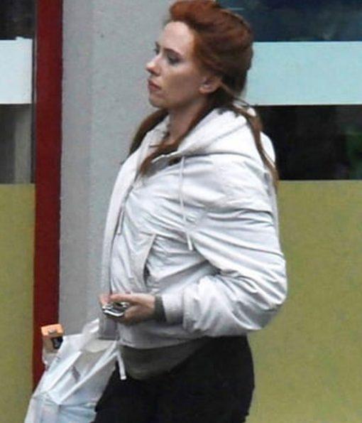 black-widow-scarlett-johansson-white-hoodie
