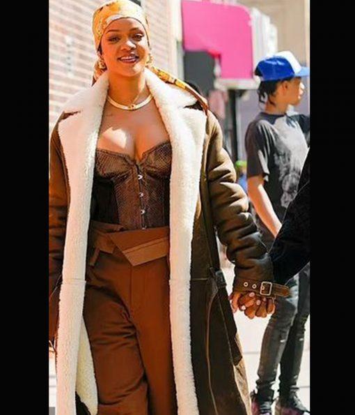 rihanna-nyc-leather-coat
