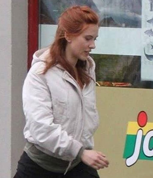 scarlett-johansson-white-hoodie