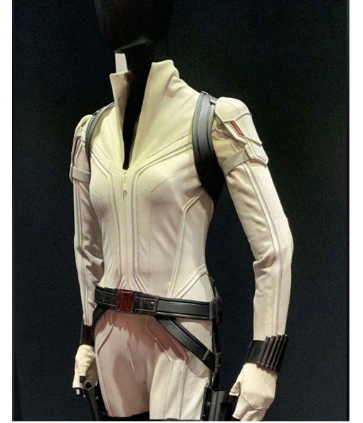 scarlett-johansson-white-leather-jacket
